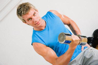 Die Oberarme kann man gezielt trainieren.