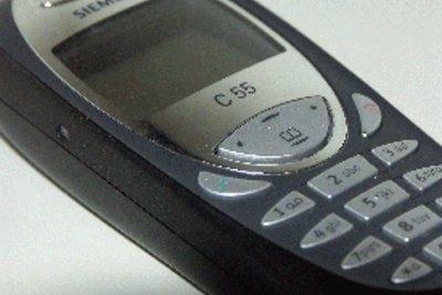 Beim Handy die IMEI-Nummer abfragen.