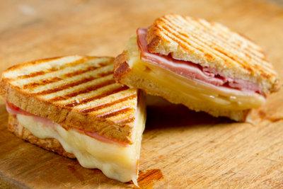 Sandwiches gelingen mit Sprühkäse