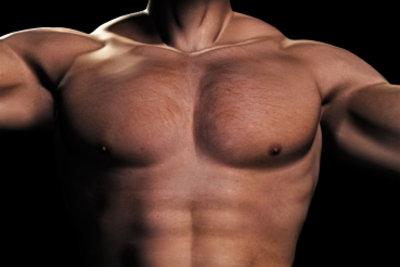 Kraftübungen können Brustfett erheblich reduzieren.