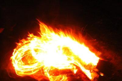 Drachen richten durch Feuer Schaden an.