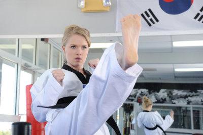 Ihr Sim kann die Kampfkunst lernen.