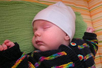 Babymützen müssen richtig passen.