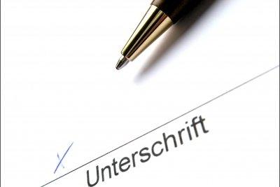 Vorsicht mit i.V.-Unterschriften.