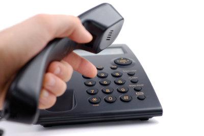 Die Service-Hotline gibt Auskunft über Zuständigkeiten.