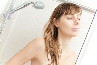 Duschen weckt die Lebensgeister.