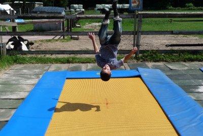Salto kann man lernen.