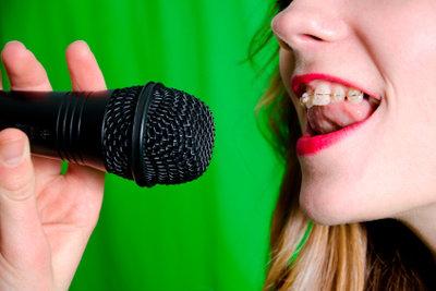Nehmen Sie Ihren Gesang auf.