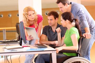 Anpassen an die Bedürfnisse behinderter Menschen.