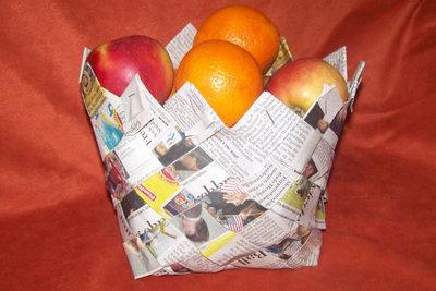 Der stabile Korb hält auch Obst.