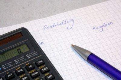 Kleinunternehmer-Regelung befreit von der Umsatzsteuer.
