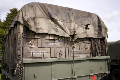 Kriegsmaterial für Kampf im kurdischen Rebellengebiet.