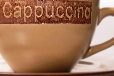 """""""Cappuccino-Braun"""" ist ein warmer Farbton."""