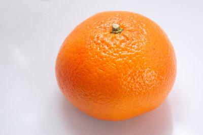 Obst lockt die Fruchtfliegen an.