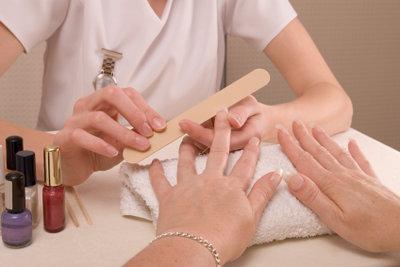 Auch die richtige Nagelpflege ist wichtig.