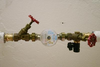 Die Wasseruhr zeigt oft den Rohrbruch an.