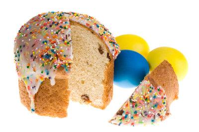 Backen Sie salzigen Kuchen als Aprilscherz.