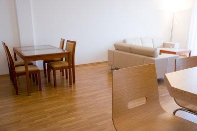 Möbel aus Sheesamholz pflegen.