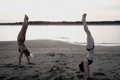 Beim Handstand ist das Gleichgewicht entscheidend.
