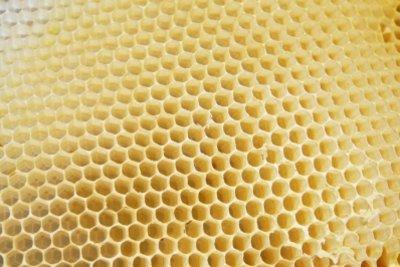 Kaltwachs zur Enthaarung aus Bienenwachs hergestellt