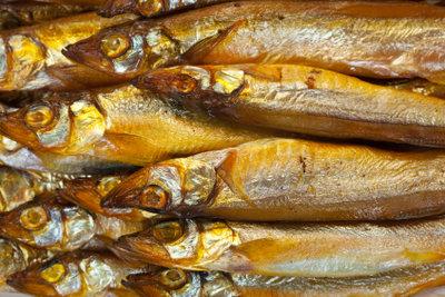 Geräucherter Fisch ist länger haltbar.