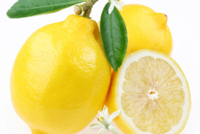 Zitronensaft ist ein bewährter Fleckentferner.