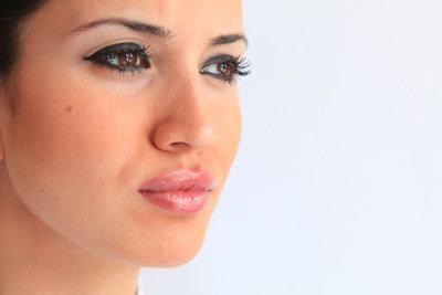 Das sollten Sie über das Schminken brauner Augen wissen.