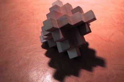Geduldsspiel aus Holz - sehr knifflig