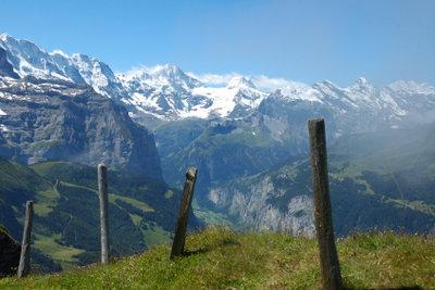 Schweiz ist gleichermaßen für Urlaub und Arbeit interessant.