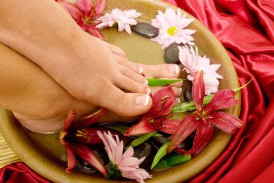 Warzenfreie, gepflegte Füße sind schön.