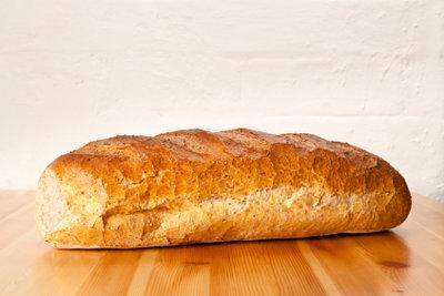 Selbst gebackenes Brot schmeckt köstlich.