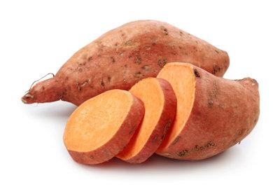 Süßkartoffeln auf dem Grill zubereiten