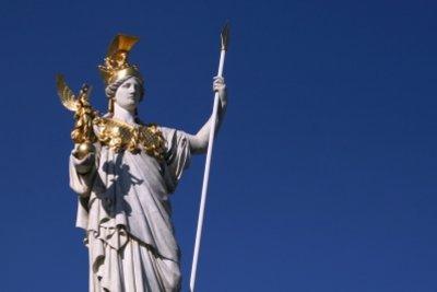 Die Sirenen gehören zur griechischen Mythologie.
