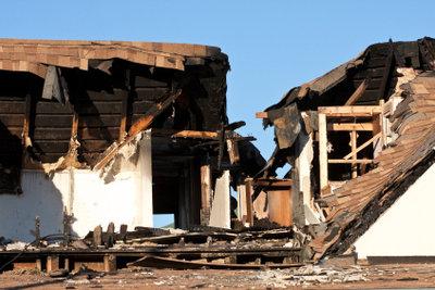 Feuerrisiko absichern - Gebäudeversicherung bezahlt der Mieter