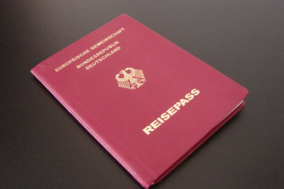 Reisepass als Ersatz für den Personalausweis.