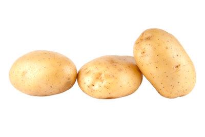 Machen Sie Pommes Frites aus festkochenden Kartoffeln selber.