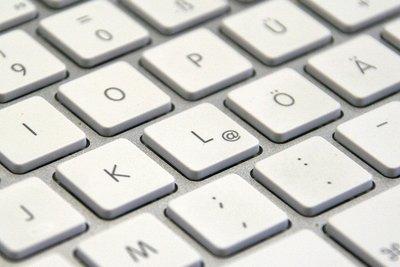 Sonderzeichen auf einer verstellten Tastatur nutzen