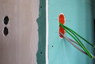 Leitungen anhand der Kabelfarben identifizieren