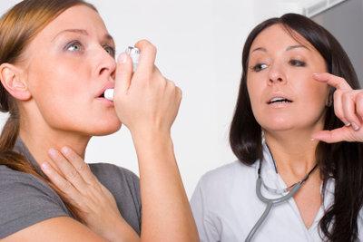 Ein Asthmaanfall kann bedrohlich werden.