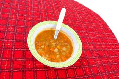 Suppen gehören zum magenfreundlichen Essen.