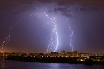 Das Entstehen eines Blitzes ist kein Mysterium.
