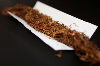 Zigaretten-Sticks sind komfortabler als loser Tabak und Zigarettenpapier.