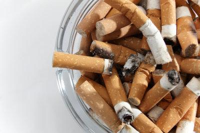 Zigarettenrauch verursacht einen hartnäckigen Gestank.