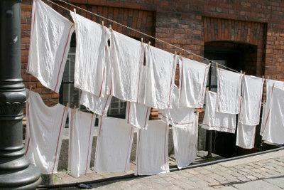 Reine Wäsche hilft bei Zugsalbe nicht.