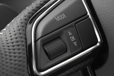 Auch der 1er BMW hat diverse Zierleisten an den Armaturen.