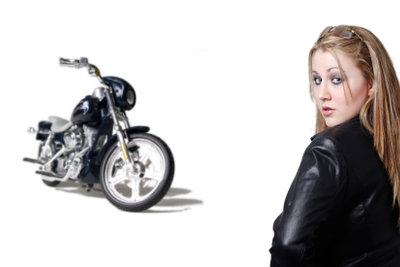 Grundsätzlich können Sie den Motorradführerschein auch im Winter machen.