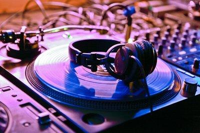Mit Virtual-DJ einen virtuellen Platterspieler nutzen