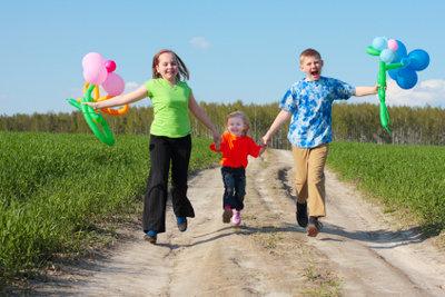 Draußen macht der Kindergeburtstag am meisten Spaß.