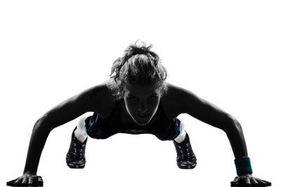 Liegestützen - richtig ausgeführt - sind für die Körperspannung gut.
