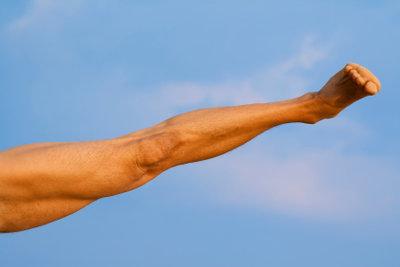 Stabile Knie sind beim Yoga essenziell.